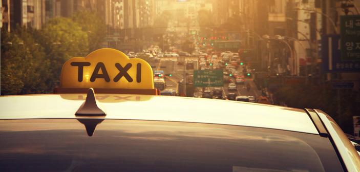 tag en registreret taxi hjem fra byen