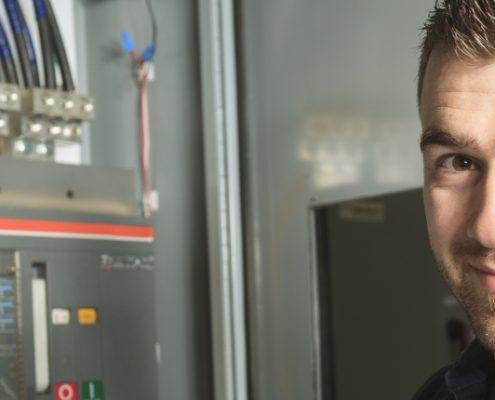 Arbejdsløsheden blandt elektrikere daler fortsat
